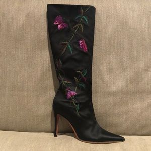 TRIED ON ONLY : Judith Leiber Embroidered Boots